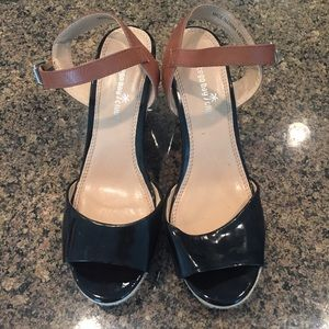 Montego Bay Club Black and Tan Sandals